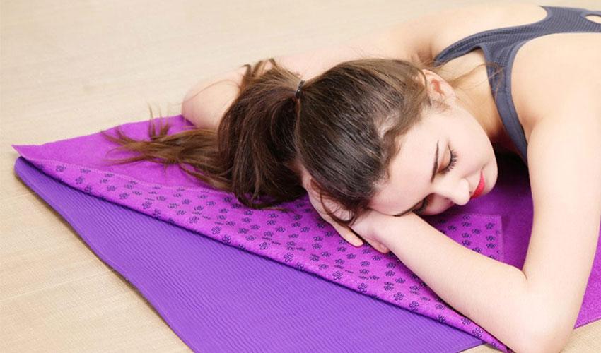 Kinh nghiệm chọn lựa khăn trải thảm yoga tốt nhất - Đồ Tập Yoga Tại Việt Nam